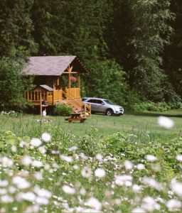 Cabin Rentals BC Flowers